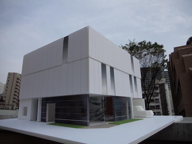 笹塚駅近くの洒落た建物